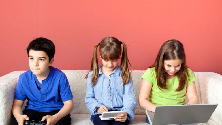 Çocukların Teknoloji Bağımlığı Tehlikesi